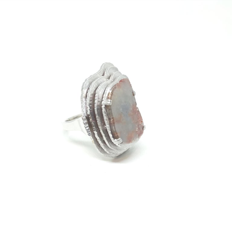 Contemporary Grey Diamond Slice One of a Kind 18 Karat White Gold Fashion Ring In New Condition For Sale In NEW DELHI, IN