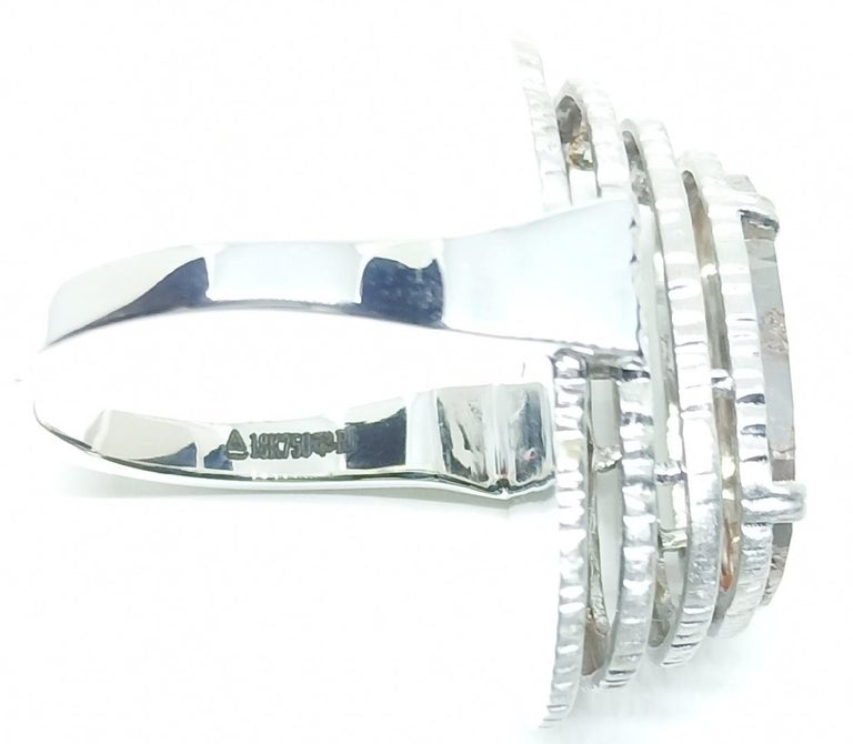 Contemporary Grey Diamond Slice One of a Kind 18 Karat White Gold Fashion Ring For Sale 4