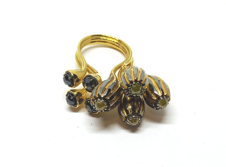 One of a Kind Yellow Black Rose Cut Diamond Yellow Gold Cocktail Ring In New Condition For Sale In NEW DELHI, IN