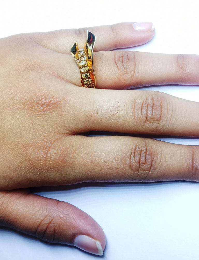 Contemporary Brown Diamond One of a Kind 18 Karat Yellow Gold Cocktail  Ring For Sale 8