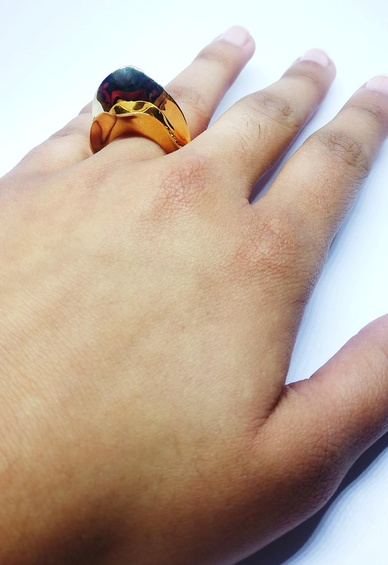 Contemporary Brown Diamond One of a Kind 18 Karat Yellow Gold Cocktail  Ring For Sale 9