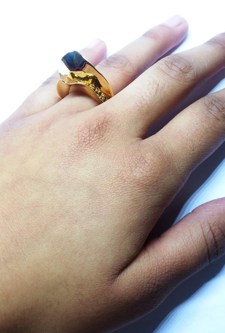 Contemporary Brown Diamond One of a Kind 18 Karat Yellow Gold Cocktail  Ring For Sale 11