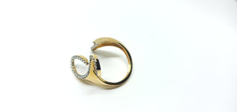 Women's One-of-a-Kind Round White Diamond 18 Karat Rose Gold Engagement Ring For Sale