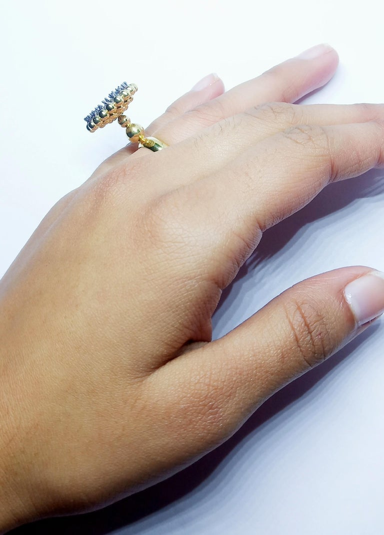 Round White Diamond One of a Kind 18 Karat Yellow Gold Ring For Sale 5