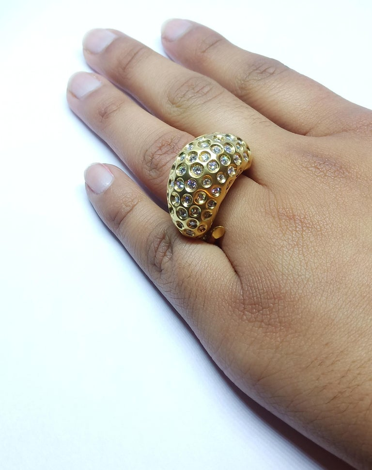 Contemporary Round White Diamond One of a Kind Yellow Gold Cocktail Ring For Sale 11