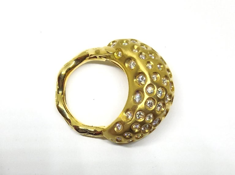 Contemporary Round White Diamond One of a Kind Yellow Gold Cocktail Ring For Sale 4