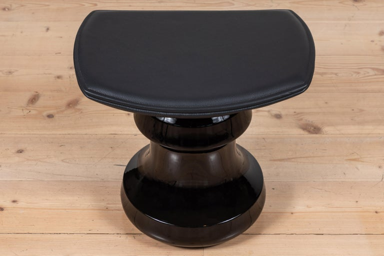 Roi stool by Collection Particuliere.