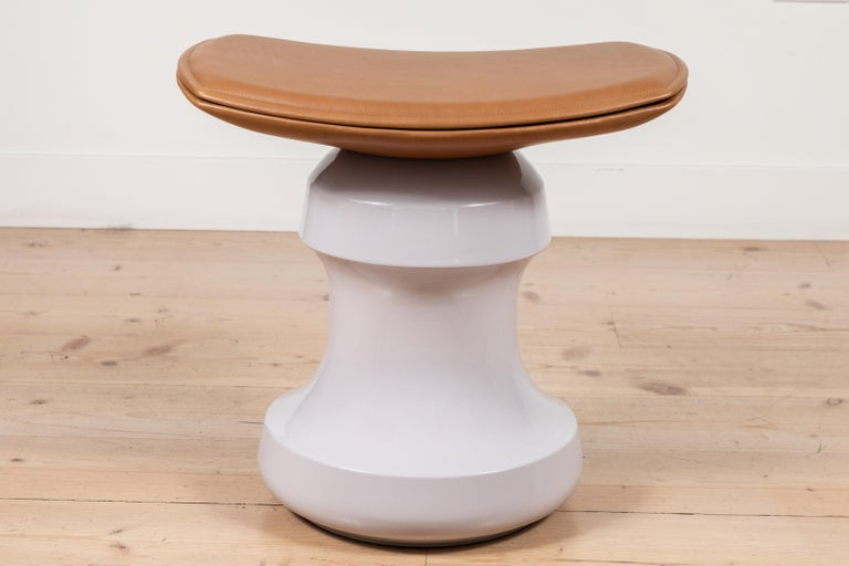 Roi Stool by Collection Particulière In New Condition For Sale In Los Angeles, CA