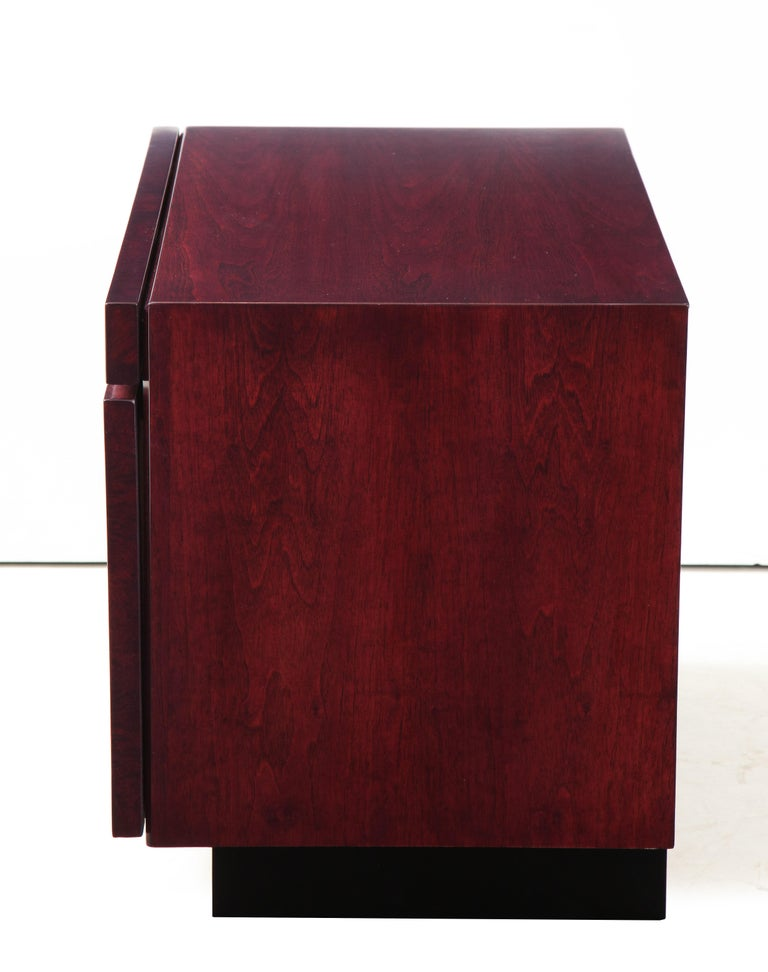 20th Century Roland Carter Red Wine Stained Burl Nightstands For Sale