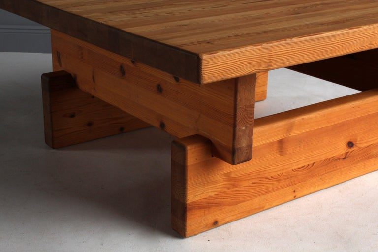 Roland Wilhelmsson (attributed) Coffee Table, Solid Pine, 1960s, Sweden In Good Condition For Sale In West Palm Beach, FL