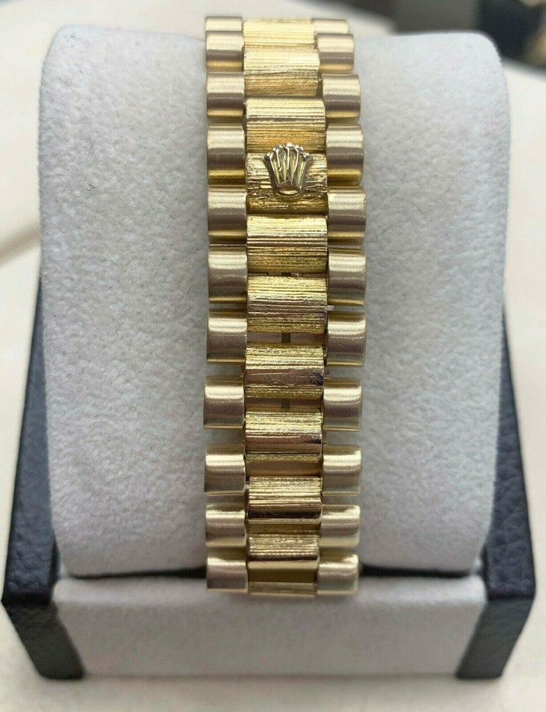 Rolex 1807 President Day Date Original Diamond Dial 18 Karat Yellow Gold In Excellent Condition For Sale In San Diego, CA
