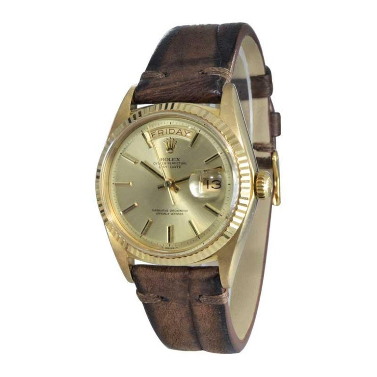 Rolex 18 Karat Yellow Gold Oyster Perpetual Day Date Ref 1803 Dated 1969 In Excellent Condition For Sale In Long Beach, CA