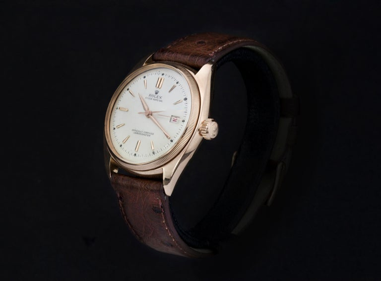 Rolex 4467 Oyster Perpetual 18k Rose Gold Bubble Back White Dial with Leather Strap & Rolex Buckle Circa 1940's  Gender:  Men Model : Oyster Perpetual Bubbleback Case Diameter : 36 mm Movement: Automatic Watchband Material: Leather Case material :