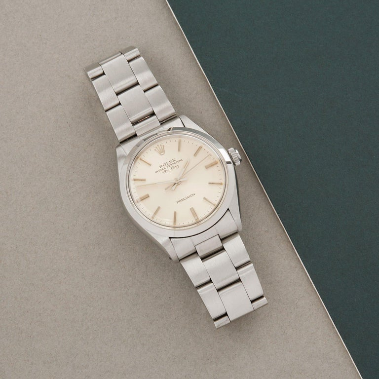 Xupes Reference: W007637 Manufacturer: Rolex Model: Air-King Model Variant: 0 Model Number: 5500 Age: 1978 Gender: Men Complete With: Rolex Box & Service Pouch  Dial: Silver Baton Glass: Plexiglass Case Size: 34mm Case Material: Stainless