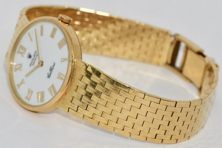 Rolex Cellini Ladies Wrist Watch, 18 Karat Gold, manual winding.  Including certificate of authenticity.