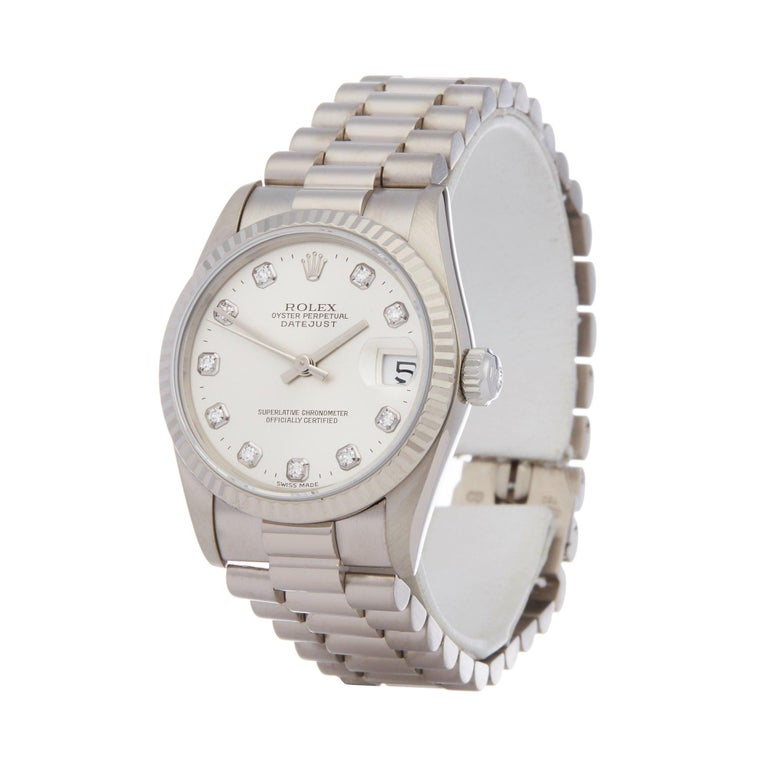 Xupes Reference: W007579 Manufacturer: Rolex Model: Datejust Model Variant: 31 Model Number: 68279 Age: 1995 Gender: Ladies Complete With: Rolex Box Dial: Silver With Diamond Markers Glass: Sapphire Crystal Case Size: 31mm Case Material: White