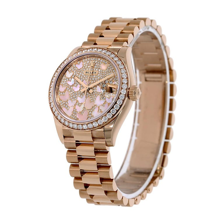 Introduced at Baselworld 2019 the 278285RBR is a romantic depiction of the traditional Datejust with the addition of exquisite luxurious materials. The 278285RBR comes with a rose gold case that is 31mm in diameter with a monobloc middle case,