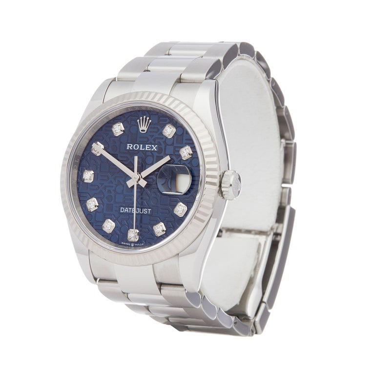 Xupes Reference: W007750 Manufacturer: Rolex Model: Datejust Model Variant: 36 Model Number: 126234 Age: 18-08-2019 Gender: Unisex Complete With: Rolex Box, Manuals, Guarantee, Card Holder, Bezel Guard & Swing Tag Dial: Blue Diamond  Glass: Sapphire