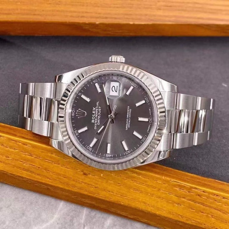 Rolex Datejust 41 Oyster Steel Men's Watch 126334-0013 In Excellent Condition For Sale In Banbury, GB