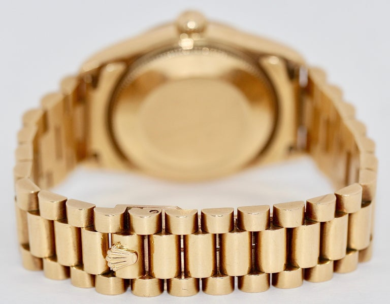 Rolex Datejust Mother of Pearl and Diamonds, 68278 Midsize 18 Karat Gold Ladies For Sale 2
