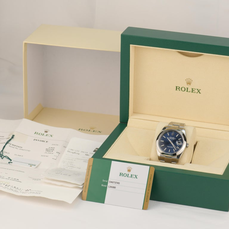 Rolex Datejust Stainless Steel Men's Watch m126300-0001 In Excellent Condition For Sale In Banbury, GB