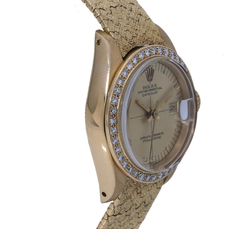 Rolex Datejust Vintage 6900 18K Factory Diamond Year 1982 Lady's Watch In Good Condition For Sale In Miami, FL