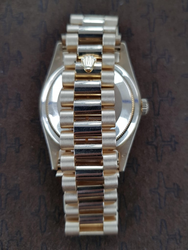 Rolex Day Date, Yellow Gold, Model Number 18238, Registered, 1988 In Excellent Condition For Sale In London, GB