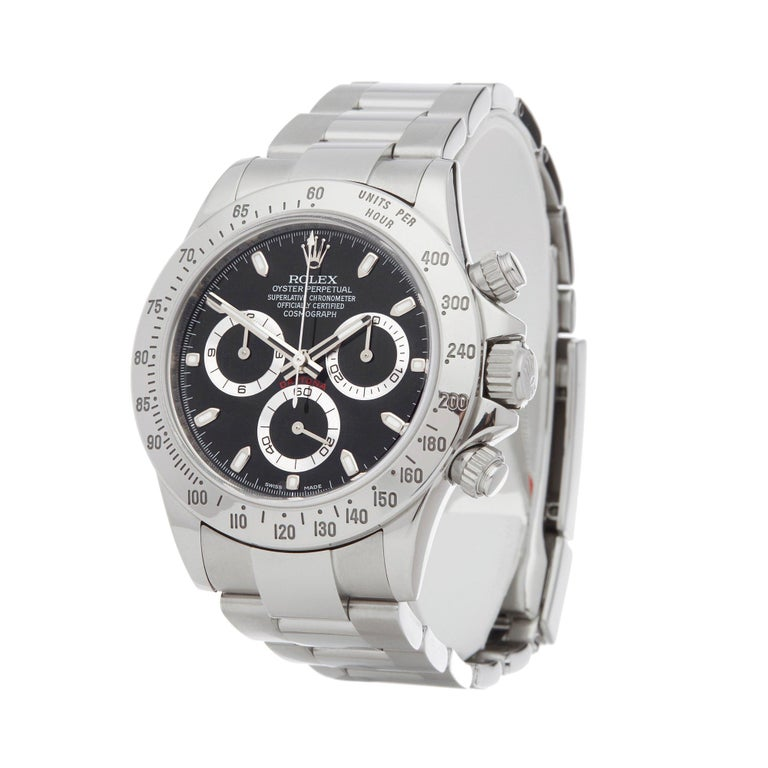 Xupes Reference: W007360 Manufacturer: Rolex Model: Daytona Model Variant:  Model Number: 116520 Age: 07-07-2017 Gender: Men Complete With: Rolex Box, Manuals & Guarantee Dial: Black Baton Glass: Sapphire Crystal Case Size: 40mm Case Material: