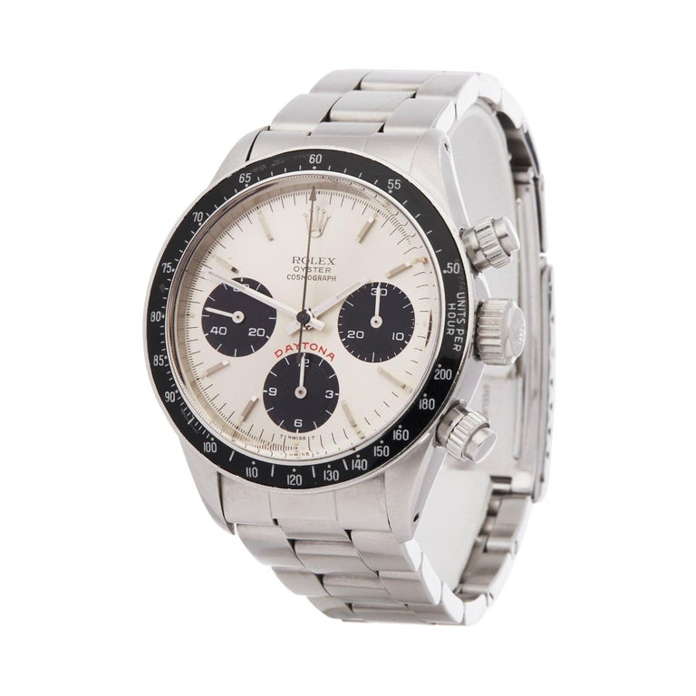 Xupes Reference: COM002403 Manufacturer: Rolex Model: Daytona Model Variant:  Model Number: 6263 Age: 1978 Gender: Men's Complete With: Xupes Presentation Box  Dial: Silver Baton Glass: Plexiglass Case Material: Stainless Steel Strap Material: