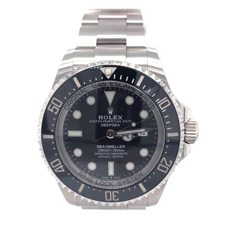 Brand: Rolex Model Name: Rolex Seadweller Deepsea 44 Black Dial Steel Men's Watch 126660 Box Card Model Number: 126660 Year: 2020 Serial Number: Z951xxxx Gender: Men's Movement: Officially certified chronometer self-winding movement. Jewels: