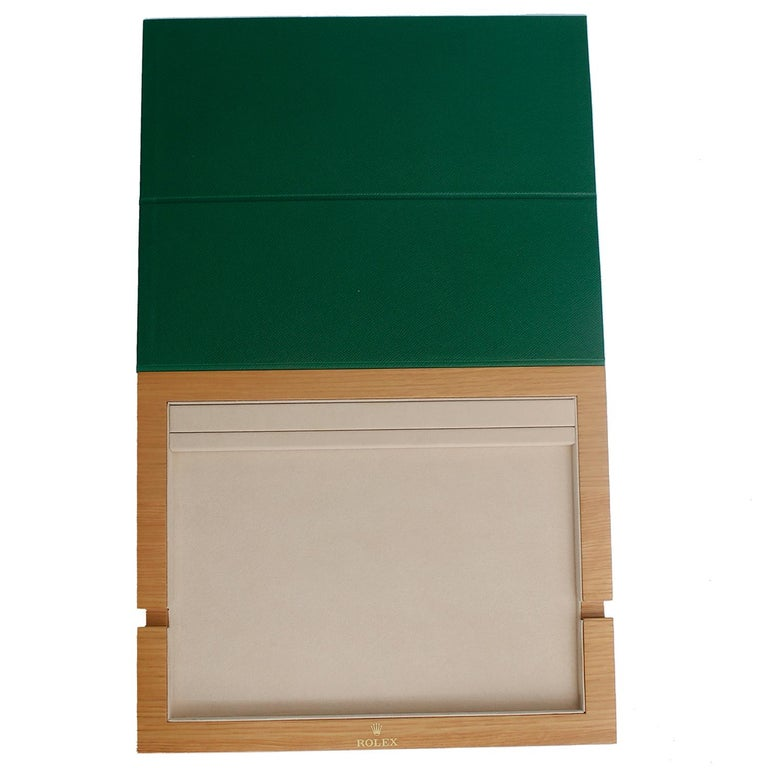 Rolex Green Tablet Case for Ipad or Samsung Tab 4 In New Condition For Sale In Dallas, TX