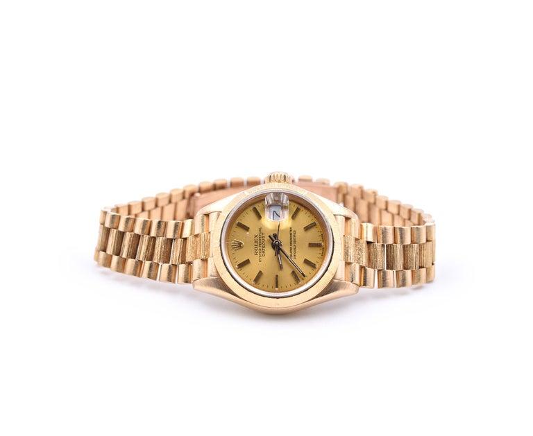 Rolex Ladies 18 Karat Gold Datejust with Engine Turned Bezel Watch Ref. 69178 In Excellent Condition For Sale In Scottsdale, AZ