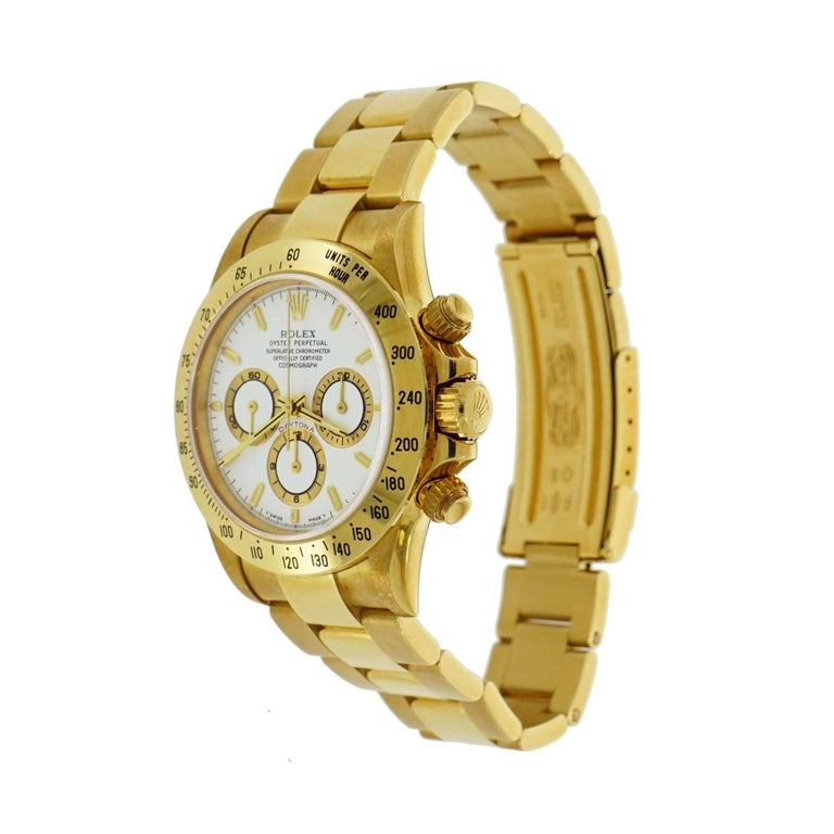 Rolex Oyster Perpetual Cosmograph Daytona in 18 Karat Yellow Gold In Excellent Condition In Greenwich, CT