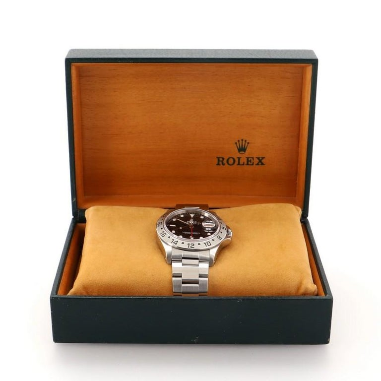 Condition: Great. Minor scratches behind case and strap. Accessories: No Accessories Measurements: Case Size/Width: 39mm, Watch Height: 12mm, Band Width: 20mm, Wrist circumference: 7
