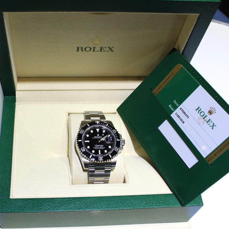 Rolex Oyster Perpetual Submariner 116610 Stainless Steel Watch Paper and Box In Excellent Condition In London, GB