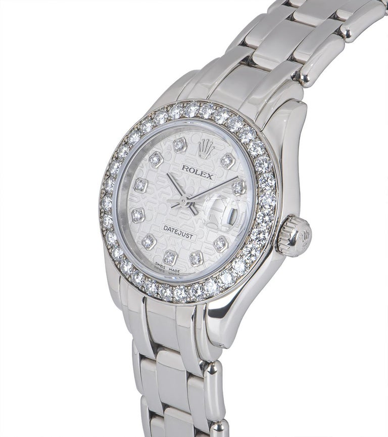 A 29 mm 18k White Gold Oyster Perpetual Pearlmaster Datejust Ladies Wristwatch, silver jubilee dial with 10 applied round brilliant cut diamond hour markers, date at 3 0'clock, a fixed 18k white gold bezel set with approximately 32 round brilliant