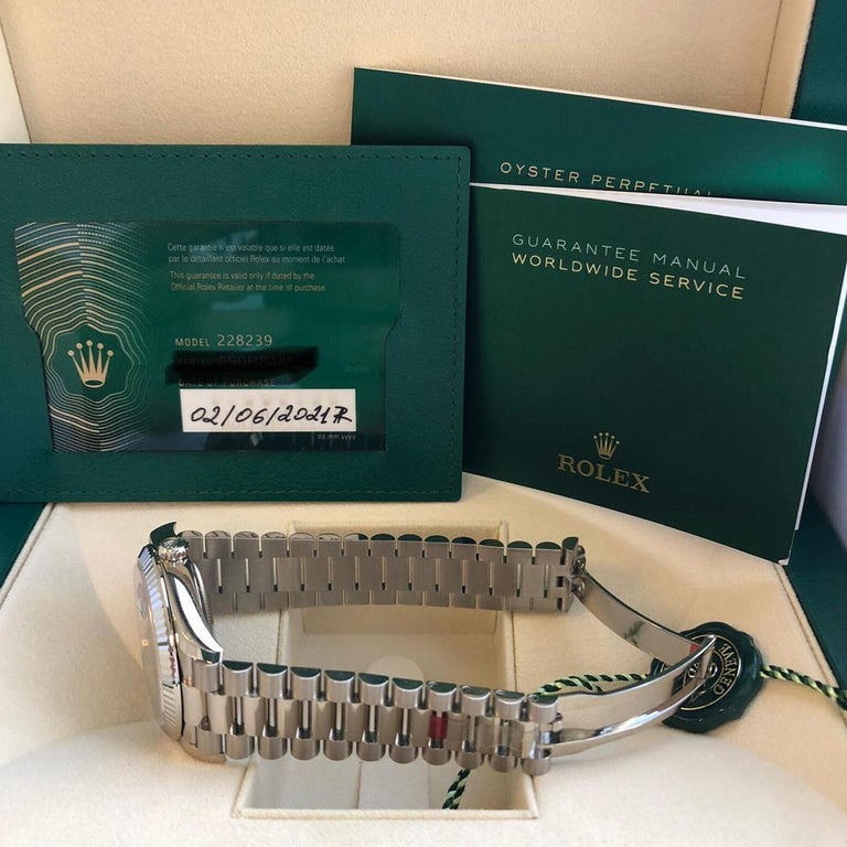 Rolex Presidential Day-Date 18k White Gold Green Olive Roman Dial 228239 For Sale 4