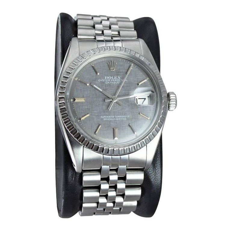 Rolex Steel Datejust with Rare Charcoal Linen Dial, circa 1972 or 1973 In Excellent Condition For Sale In Venice, CA