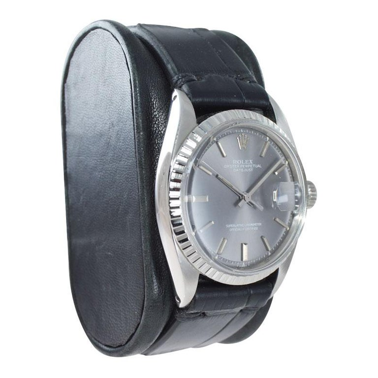 Rolex Steel Datejust with Rare Original Charcoal Dial from 1969 In Excellent Condition For Sale In Venice, CA