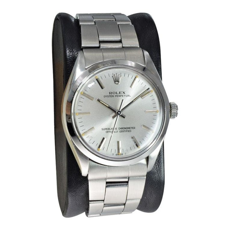 Rolex Steel Oyster Perpetual Original Dial Original Bracelet, from 1986-1987 In Excellent Condition For Sale In Venice, CA
