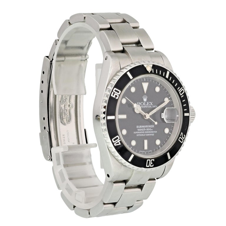 Rolex Submariner 16610 Men's Watch In Excellent Condition For Sale In New York, NY