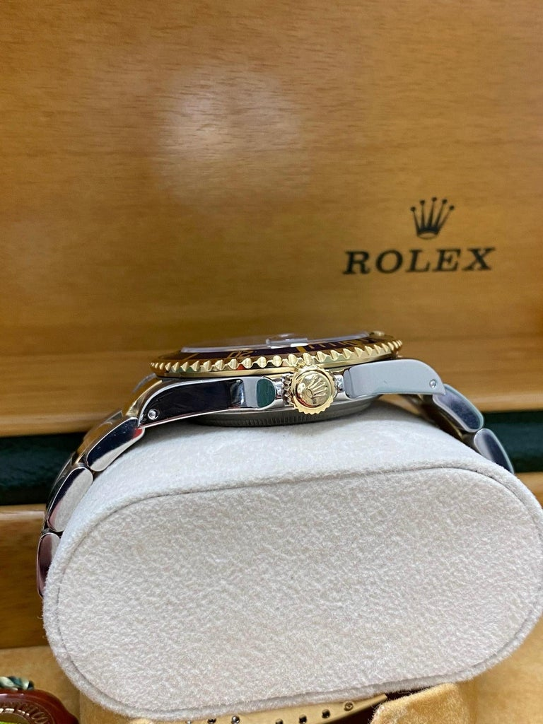 Rolex Submariner 16613 Blue Dial 18 Karat Gold and Stainless Steel Box Papers For Sale 6