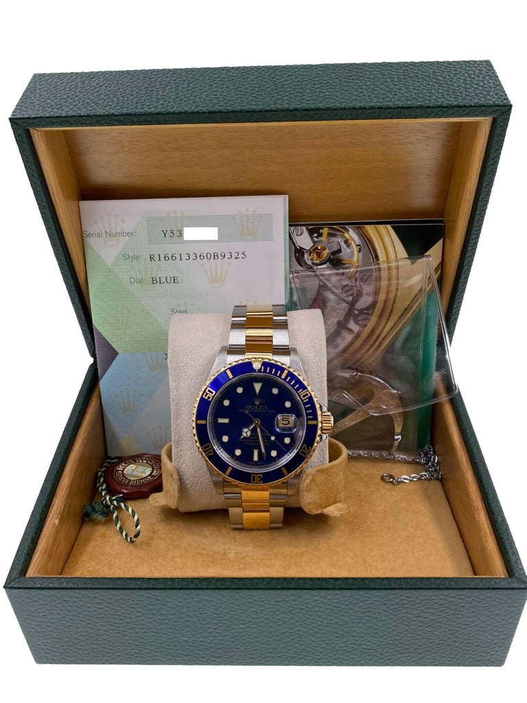 Rolex Submariner 16613 Blue Dial 18 Karat Gold and Stainless Steel Box Papers In Excellent Condition For Sale In San Diego, CA