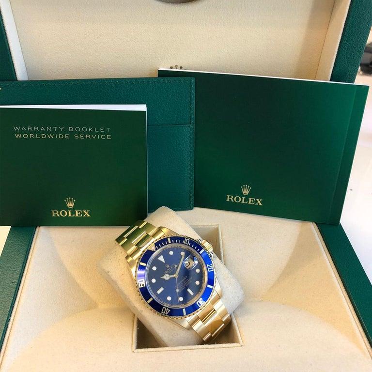 Rolex Submariner 16618 Oyster 18k Yellow Gold Blue Sunburst Dial Men's Watch For Sale 8
