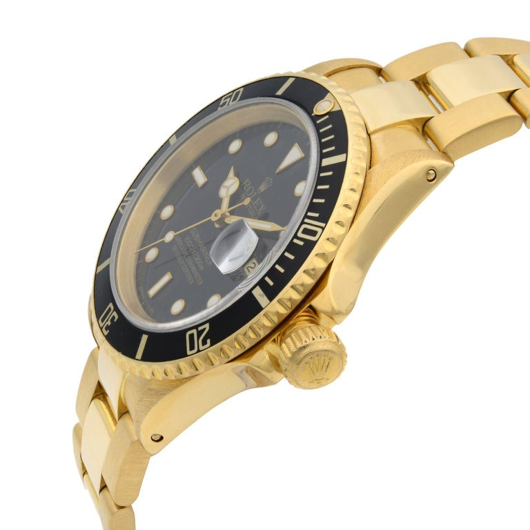 Rolex Submariner 18 Karat Yellow Gold Black Dial Automatic Men's Watch 16618 In Good Condition For Sale In New York, NY