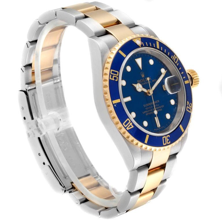 Rolex Submariner Blue Dial Bezel Steel Yellow Gold Men's Watch 16613 In Excellent Condition In Atlanta, GA
