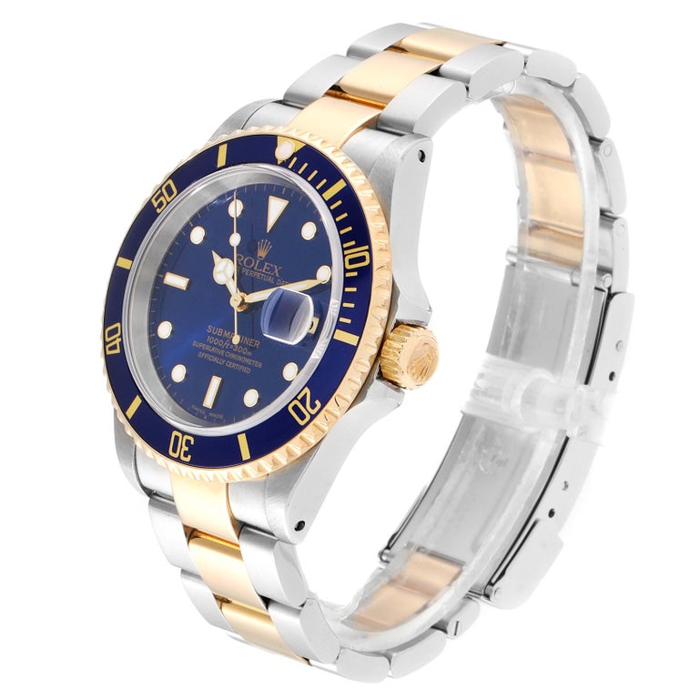 Rolex Submariner Blue Dial Bezel Steel Yellow Gold Men's Watch 16613 In Excellent Condition In Atlanta, GA