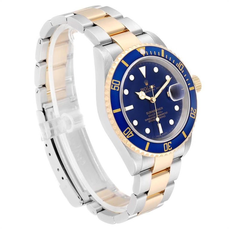 Rolex Submariner Blue Dial Steel Yellow Gold Men's Watch 16613 Box Papers In Excellent Condition For Sale In Atlanta, GA