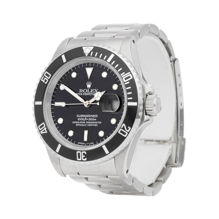 Xupes Reference: W007186 Manufacturer: Rolex Model: Submariner Model Variant: Date Model Number: 16610 Age: 1991 Gender: Men Complete With: Rolex Box  Dial: Black Other Glass: Sapphire Crystal Case Size: 40mm Case Material: Stainless Steel Strap