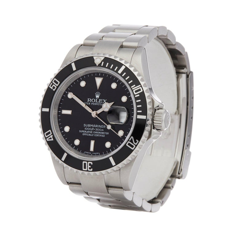 Xupes Reference: W007656 Manufacturer: Rolex Model: Submariner Model Variant: Date Model Number: 16610  Age: 21-10-2008 Gender: Men Complete With: Rolex Guarantee Dial: Black Other Glass: Sapphire Crystal Case Size: 40mm Case Material: Stainless